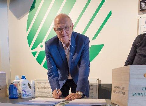 ERKLÆRING: Bjørn Iddberg, daværende ordfører i Gjøvik, gikk i spissen for en ny Mjøsaksjon i november 2016. Han er redd lite har skjedd.