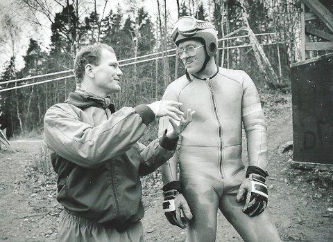 Geir Hammer i Skimt med sin gode venn Eddie the Eagle. Den verdenskjente briten hoppet i Møllebakken i Griserompa på 80-tallet.