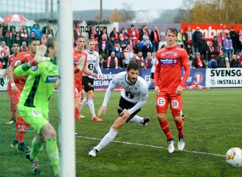 SÅ NÆRE: Igor Cukovic og Elverum presset Kongsvinger i store deler av kampen, men klarte kun å sette ballen i mål en gang. Dermed endte bunnkampen med borteseier.