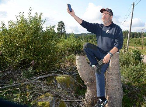 HÅPLØST: – I øyeblikket er det håpløst å finne brukbare signaler på store deler av Hof Finnskog. Jakten på signalene fortsetter nok en stund ennå, sier Tor Gunnar Spigseth.