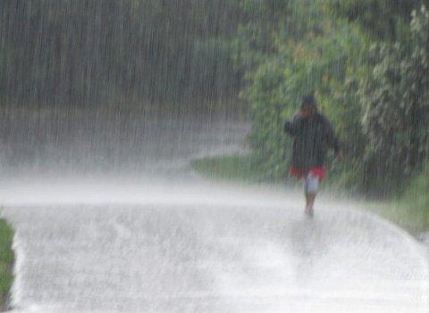 Dette bildet fra Teie er betegnende for hvordan høstferien kommer til å arte seg, hvis meteorologene treffer med varselet.
