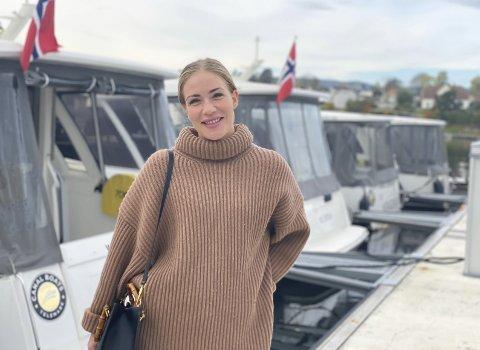 RØPER NYTT KONSEPT: Canal Boats Telemark inviterer til julebordvorspiel på kanalen. – For de som liker å «make an entrance» blir det ikke en flottere enn dette, sier Nora Sjögren Johre fra Canal Boats Telemark.