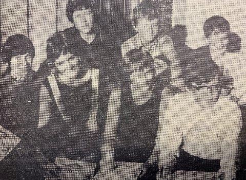 SESONGAVSLUTNING: Bak fra venstre: Bjørn Torkilsen, Svein Osland og Knut Mathisen. Foran fra venstre: Sverre Nilsson, Siri Paulsen, Bente Jarandsen og Leif Kasedalen.