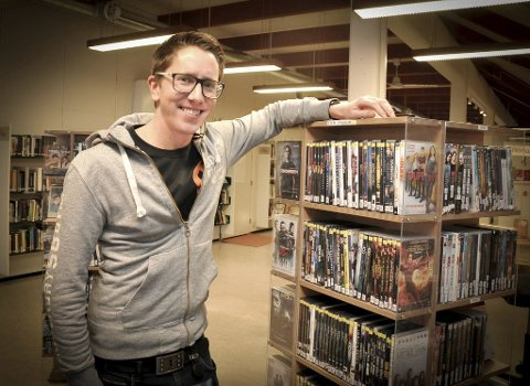 Ny jobb: Den nye biblioteksjefen i Spydeberg er rakstingen Sven-Magne Lilleheier. Foto: Guri Rønning