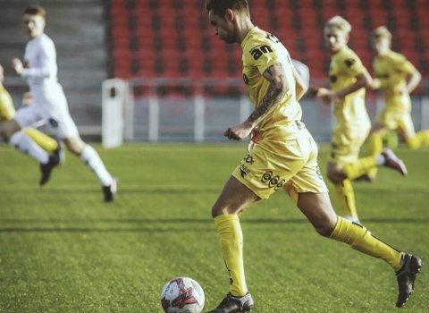 Nicklas Sundsvåg har signert kontrakt for Bodø/Glimt, men skal spille i Fram Larvik i 2021-sesongen.