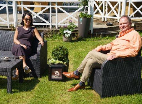 Kunstmaler Yvonne Jeanette Karlsen gjester programmet God sommer Østfold, som Kai Robert Johansen skal lede på TVØstfold denne sommeren.