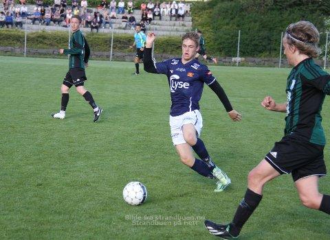 Mathias Bringaker går fra OBOS-liga-klubben Viking til eliteserielaget Start. Her i Viking-drakt.(Arkivfoto)