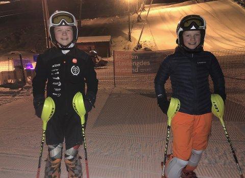 I GANG: Eirin Aasgård og Selma Stavik Heggset er to av mange alpinister som nå har ypperlige treningsforhold i Surnadal Alpinsenter. De trener flere ganger i uken, og er godt i gang med konkurransesesongen.
