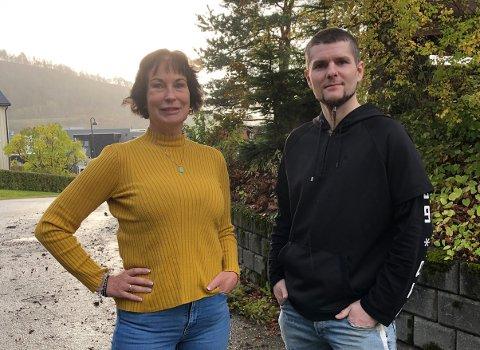 PÅ LAG: Psykiatrisk sykepleier Anita Faksnes Melkild er glad for at Petter Forberg nå er en del av det kommunale laget som arbeider med rus og psykiatri. – Dette blir en stor berikelse for oss, Petter har helt sikkert mye han kan lære oss andre, sier Melkild.
