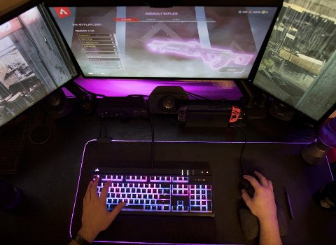 GAMING: Mange ungdommer bruker mye tid foran PC-en, og på nyåret får Tønsberg en egen gaming-klubb.