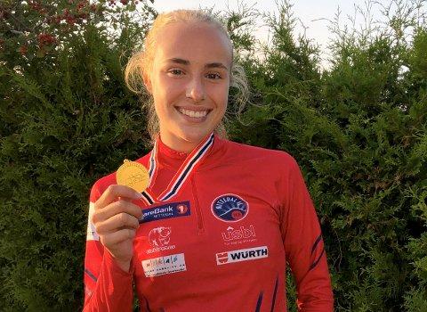 FØRSTE GULL: Cassandra Ødegård Nilsen tok sitt første gull på et nasjonalt mesterskap da hun vant mangekampen på Hamar denne helga.