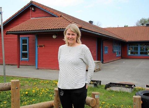 NYTT FJES: Hun tok til i mars og skal lede personalet i Støttumveien barnehage. – Jeg kommer til en barnehage med faglig bevisste ansatte, sier Anne Lene Dahl.