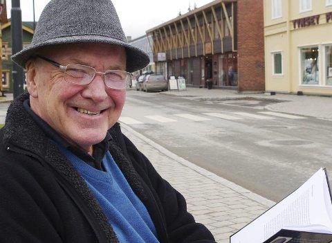 Jan Kåre Moan skriver om turområdet Ripan i Tynset. Her i mer urbane omgivelser i Parkveien på Tynset.