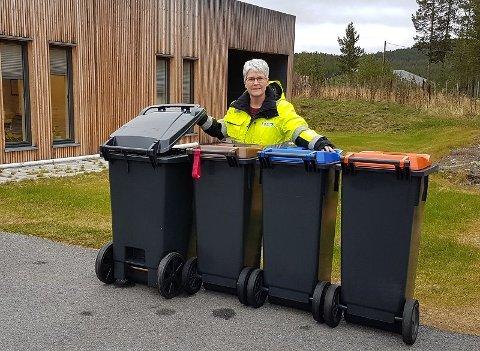 SAMARBEID: Kommunikasjonssjef Hanne Maageng Olsen i FIAS har mottatt mange henvendelser fra abonnenter som vil samarbeide om plassering av de nye avfallsdunkene.