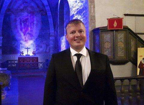 Geir Waldeland er oppvokst i bibelbelte i Rogaland og har alltid hatt tilhørighet til kirken. Til høsten er planen å begynne på Menighetsfakultetet i Oslo