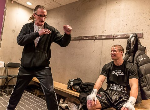 HOVEDANSVARET: Med hovedtrener Joey Gamache ute av spill etter et brutalt overfall i New York tidligere denne måneden, er det Erling Havnå (til venstre) som har tatt på seg ansvaret for nevøen.