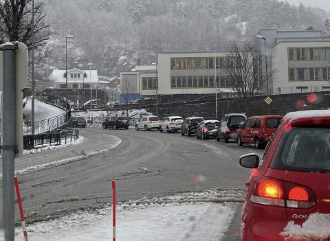 Bilde fra køen i Flekkefjord onsdag ettermiddag