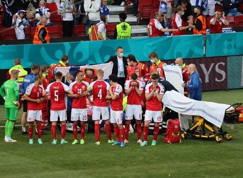 Hjertestarter-debatten er blitt aktualisert etter at Danmarks Christian Eriksen falt om under EM-kampen mot Finland for en måned siden.