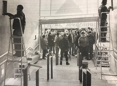 Klar for handlefest. Håndverkerne jobbet på spreng for å få alt klar til åpningen den 5. november i 1998.