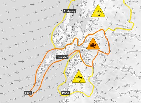 Kraftig: Sterk vind og høye bølger. Liten grunn til å driste seg ut i været som meldes onsdag. Skjermdump: Meteorologisk institutt