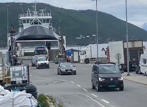 Mye trafikk: Statens vegvesen har fått på plass en midlertidig toalettløsning på Drag som ikke alle er like fornøyde med.
