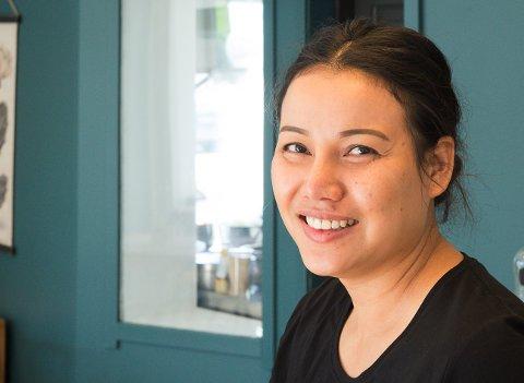 Nueng Orathai Dybvik (34) driver butikk og kafé gjennom bedriften Asia Mat på Ørnes. Nå vil hun utvide, snarest mulig.