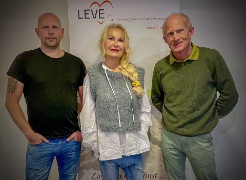 F.v: Ronny Olsen fra Nordland fylkeskommune, Marit Lund Hansen fra Bodø kommune og Odd Eidner fra LEVE Nordland jobber sammen for å nå fylkets nullvisjon for selvmord.