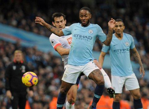 Vi tror at Raheem Sterling scorer og Liverpool vinner mot Southampton på søndag. (AP Photo/Rui Vieira)