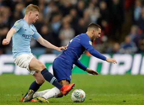Chelsea og Eden Hazard kan få trøbbel i søndagens kamp mot Wolves. (AP Photo/Tim Ireland)
