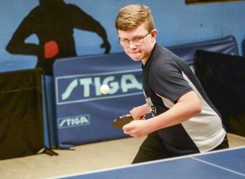 GIR ALT: Uansett om det er trening eller kamp gir Marius M. Pedersen alt. Målet er å vinne sesongens NM for yngre, og i framtiden spille OL.