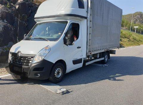 STOPPET IKKE: Denne bilen måtte hentes tilbake til kontrollstasjonen på Krossmoen av politiet.