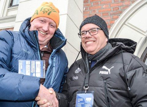 Får mest grasrotmidler: De daglige lederne Svein Erik Gevelt (t.v.)  i Mjøndalen og Dag Lindseth Andersen i  Strømsgodset gleder seg over at de to klubben er i Norgestoppen når det gjelder å få grasrotmidler fra Norsk Tipping.