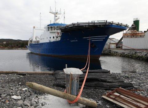 BESLAG: Westcon Yards har flytta skipet «Sarsen» ut i Gunhildvågen, grunna plassmangel ved eigne kaier på verftet. Dei har no gått rettens veg for å sikre seg betaling for ombyggingsarbeidet dei har gjort for dei russiske eigarane av fartøyet.