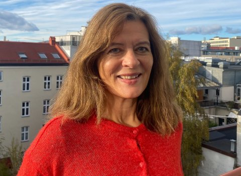 VENDER HEIM: Ann Karin Hamre blir ny direktør for Vestlandsforsking. Det betyr at ho kan jobbe i heimstaden hennar, og slepp vekependle til Oslo.
