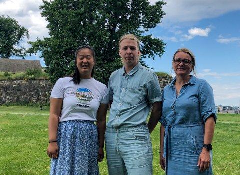 FERDIG: F.v: Nora Arntsen (21), Felix Falck-Næss (21) og Ida Christin Foss (47) er ferdig utdannet ved Bilder Nordic School of Photography.
