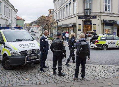 ETT ÅR SIDEN: Slik så det ut på utsiden Ottar Linde-Nielsen etter det brutale ranet for nøyaktig ett år siden. Nå er saken henlagt.