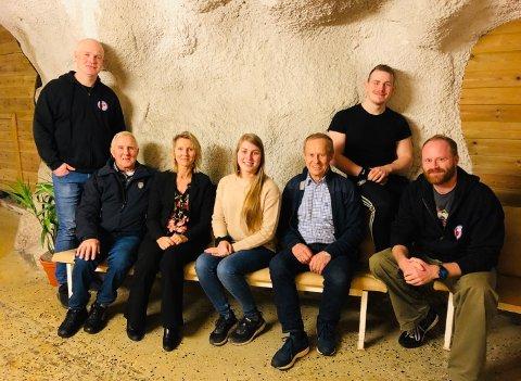 Styret i HSI. Fra venstre: Øyvind Sannerød, Ragnar Akselsen, Lise Einarsen, Julie Einarsen, Arnulf Wahlstrøm, Henrik Staal og Johan Vatvedt.