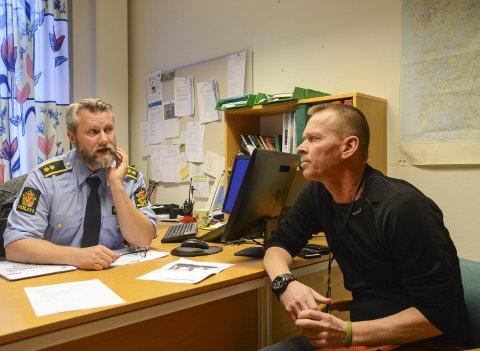 Samarbeid: Politioverbetjent Vidar Litle-Kalsøy og SLT-koordinator Stig Hope skal samarbeida tett om ungdom og rus. Dei vil no starta informasjonsarbeid bland yngre elevar.