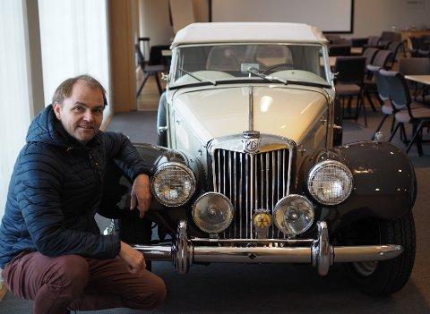 SJELDEN: Det finnes få eksemplarer av denne bilen globalt. Én av dem eier Knut O. Henderson.