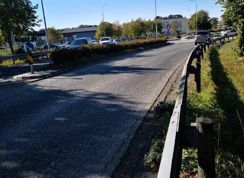 FRES: Veien inn til rundkjøringen hvor E134 krysser Spannavegen er frest opp og klargjort for asfaltering.