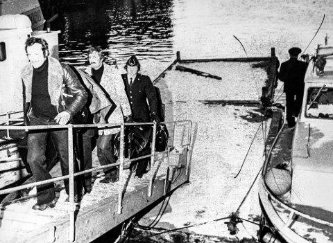 ETTERFORSKERNE I AKSJON: Politietterforskerne i arbeid i Havøysund i 1977.