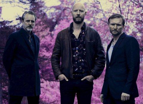 TIL HAMMERFEST: Frode Jacobsen (t.v.), Sivert Høyem og Jon Lauvland Pettersen kommer til Hammerfest.Pressebilde: Knut Åserud