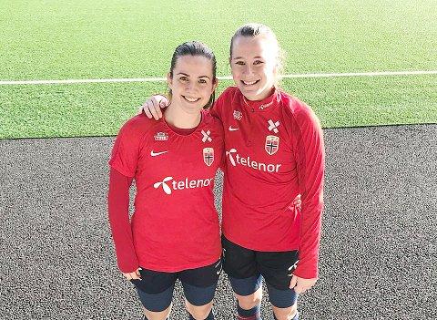 LANDSKAMP I STAVANGER: Tuva Hansen (t.v.) og Elisabeth Terland gleder seg til fredagens kamp mot Nord-Irland på Viking stadion.