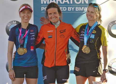 PÅ PALLEN: Lena-Britt Johansen hadde god grunn til å være fornøyd etter at hun «perset» på maraton og ble nest beste dame sammenlagt på trippelen.