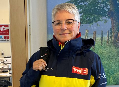 Natteravn: Aud Karin Larsen i Frivillighetssentralen i Vestvågøy har de 24 siste årene administrert Natteravn-ordninga i kommunen.