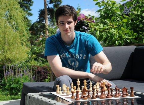 IMPONERER: Johan Salomon har både blitt Internasjonal mester og tatt NM-sølv på bare noen måneder.