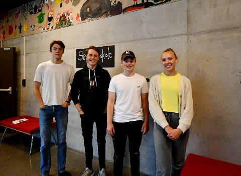 Syver Harerusten, Vebjørn Lind, Mats Trosholmen og Synne Løvli Haugen så fram til å ha publikum i salen. Sveip til høyre for å se flere bilder fra Sel kulturskole sin konsert.