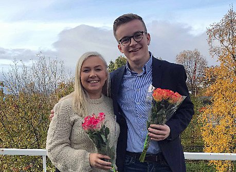 LEDERSKIFTE: Avtroppende leder Linn-Charlotte Nordahl og nyvalgt leder Martin Rønneberg Tøllefsen.