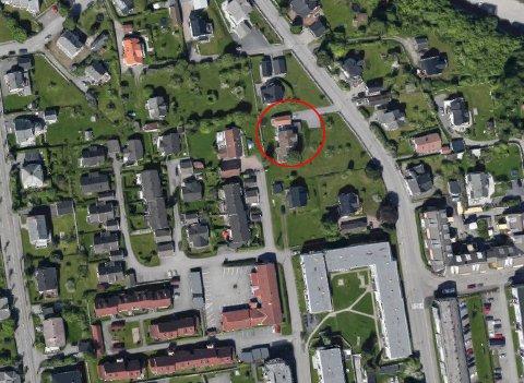 SOLGT: En bolig i Øvre Torvgate i Gjøvik ble solgt for 8,5 millioner i september. Se eiendomsoverdragelsene i denne saken. Foto: Google Maps