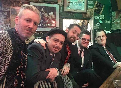 GELEGUTTA: f.v. Øyvind Stølefjell, Kent Erik Thorvaldsen, Thomas Thorvaldsen, Petter Skoglund og Ole Martin Røsten i The Jelly Roll Men er fornøyde med innsatsen i «blues-VM»